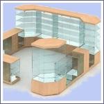 Торговая мебель из стекла и алюминия