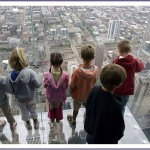 balkon103 5 150x150 Стеклянный балкон на 103 м этаже в Чикаго, США