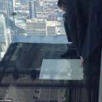 balkon103cracked 2 150x150 Треснул стеклянный балкон на 103 м этаже в Чикаго, США