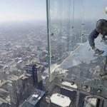 balkon103cracked 6 150x150 Треснул стеклянный балкон на 103 м этаже в Чикаго, США
