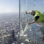 balkon103cracked 8 150x150 Треснул стеклянный балкон на 103 м этаже в Чикаго, США